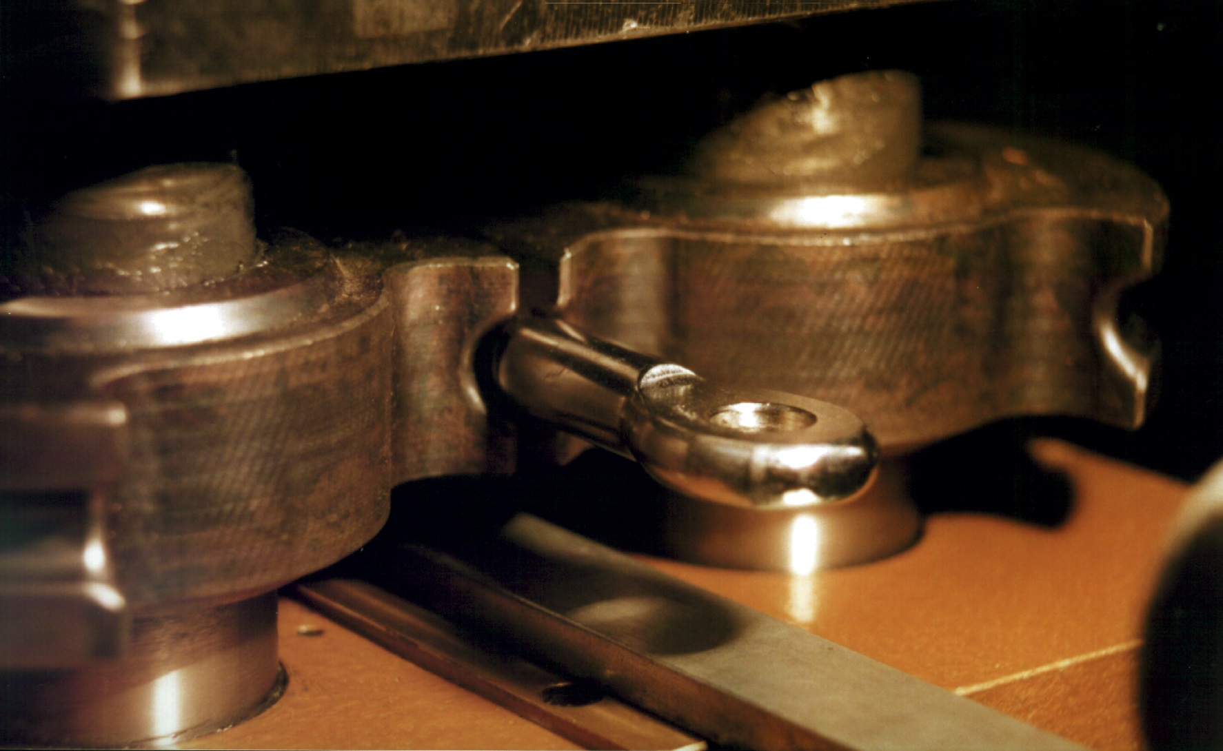 Sertissage hydraulique à galets